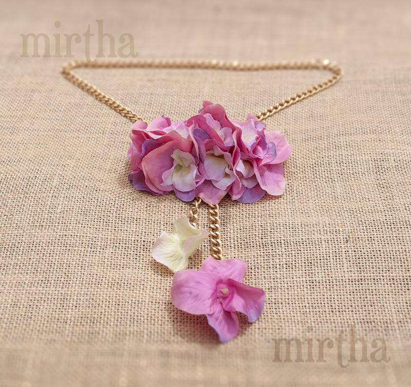 fc0ab14da475 Collares de flores   Cadena Rosa
